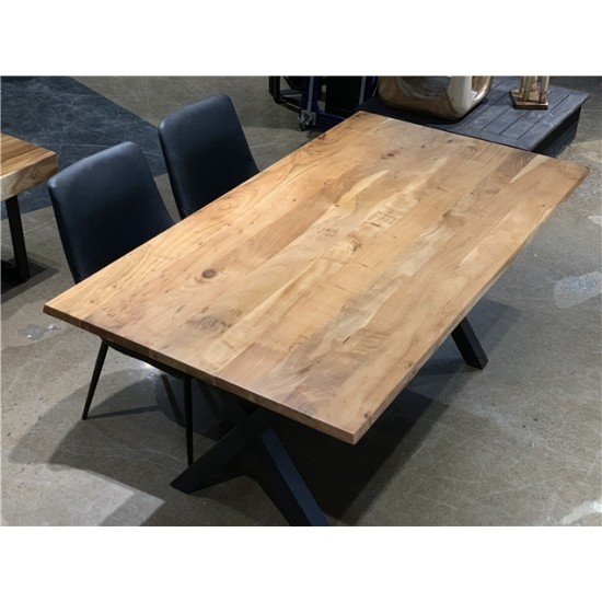 Table en bois d'acacia